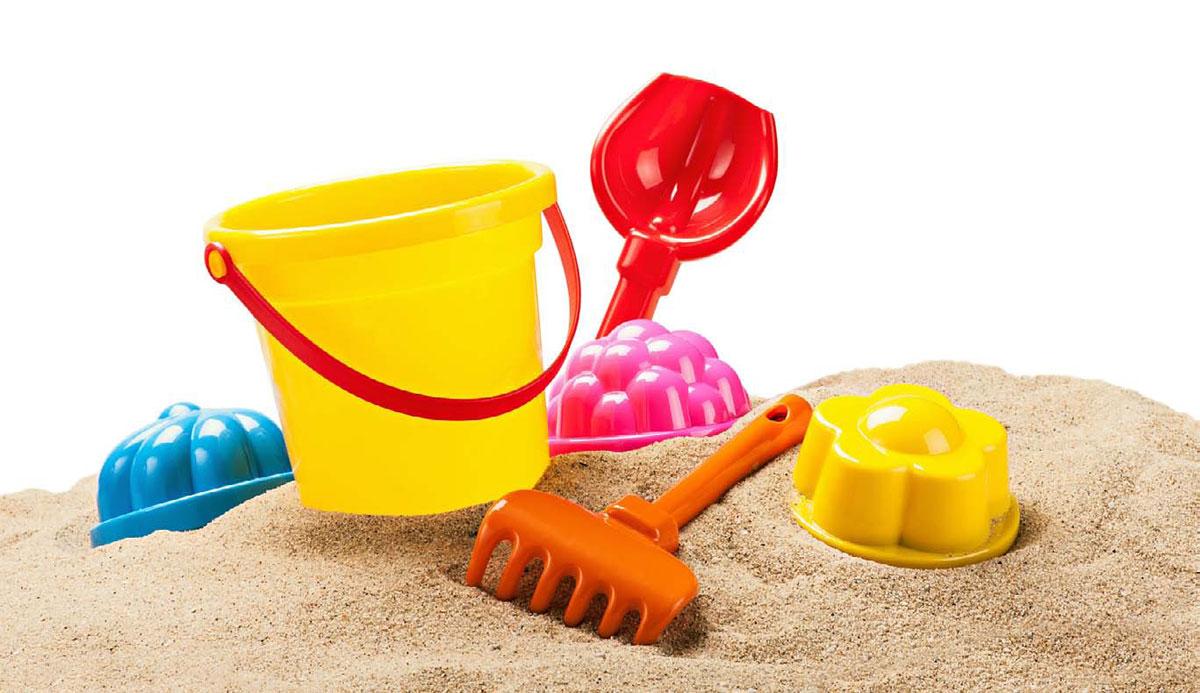Czysta piaskownica na placu zabaw © OlegDoroshin - Fotolia.com