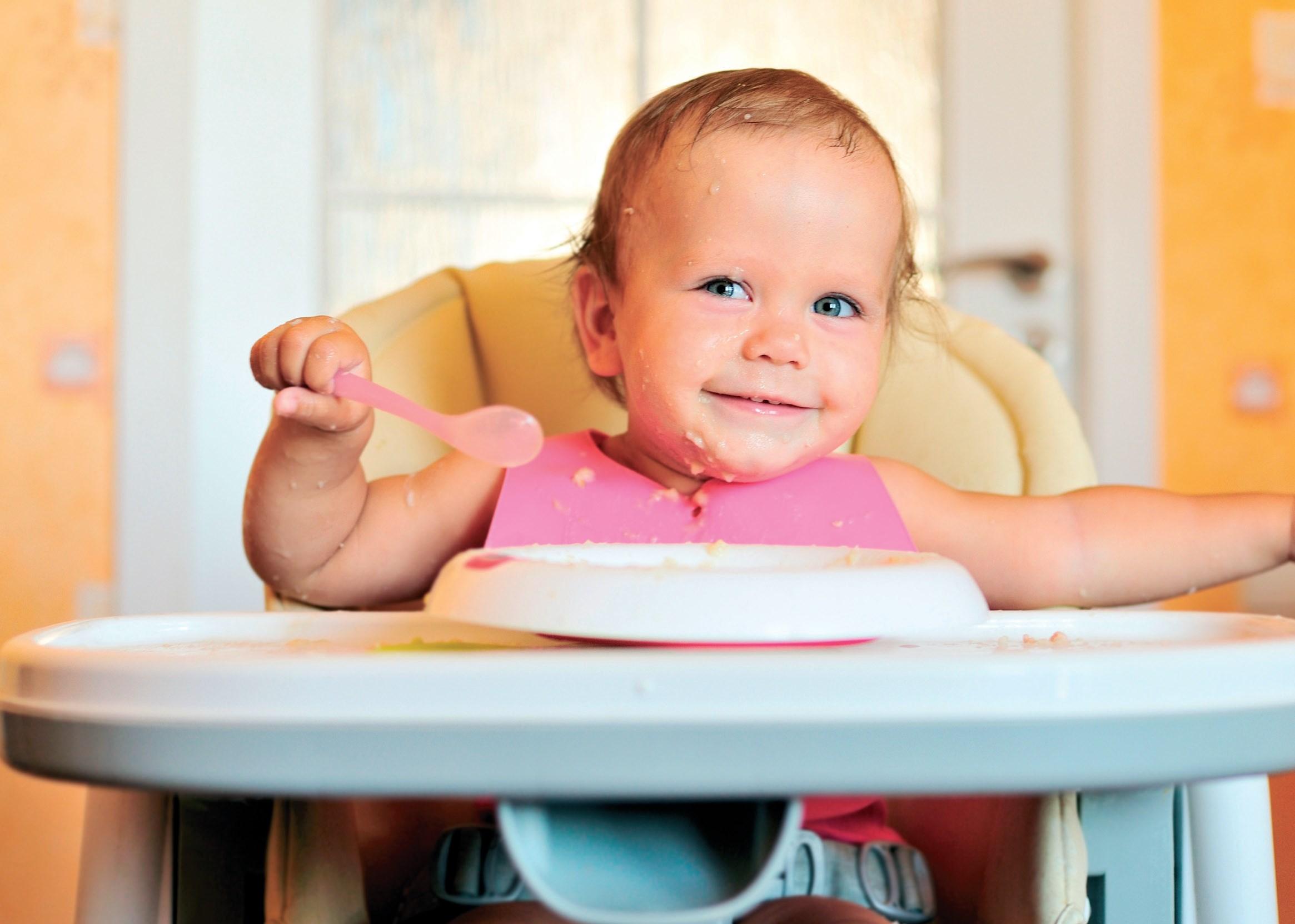 krzeselko do karmienia w żłobku © www.shutterstock.com