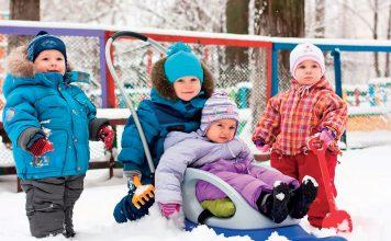Ochrona skóry dziecka przed mrozem. Fot. 123RF.com