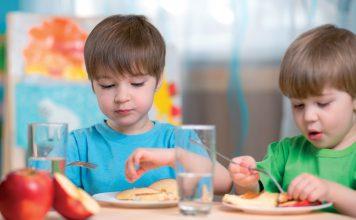 Śniadanie w przedszkolu © www.shutterstock.com
