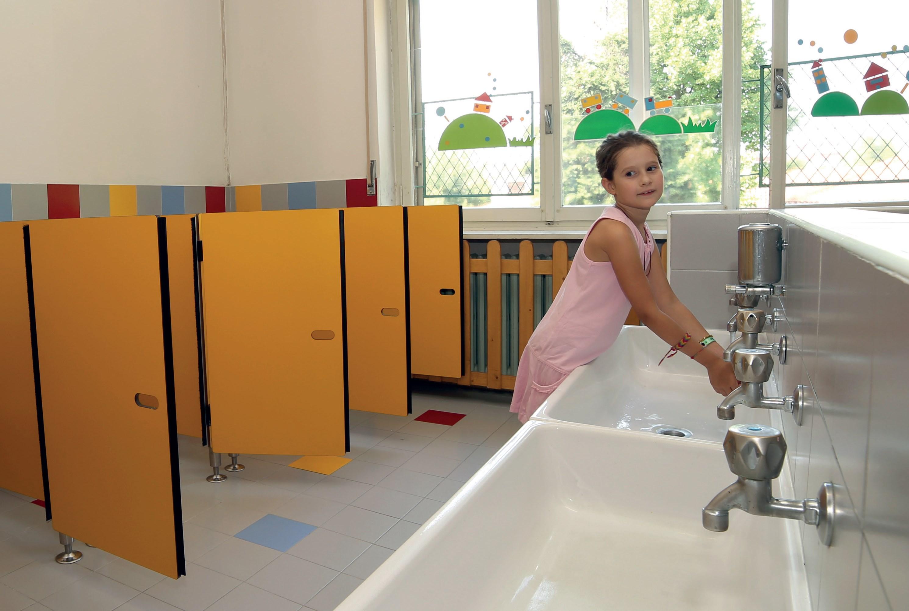 fot. Fotolia.com Czysta łazienka w placówkach opieki nad dziećmi