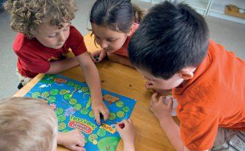 Gry planszowe dla dzieci. fot. Fotolia.com