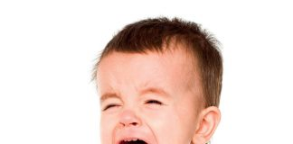 Płacz u dziecka fot. 123RF.com