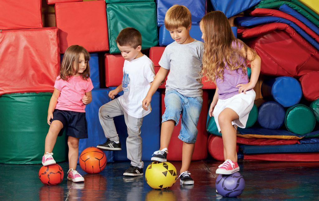 fot. Fotolia.com Dodatkowe zajęcia sportowe w przedszkolu