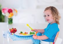 fot. Fotolia.com Jak zachęcić dziecko do jedzenia warzyw