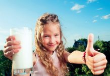 Mleko w diecie dziecka fot. Fotolia.com