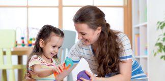 Piasek kinetyczny – zabawa i terapia w przedszkolu fot. Fotolia.com
