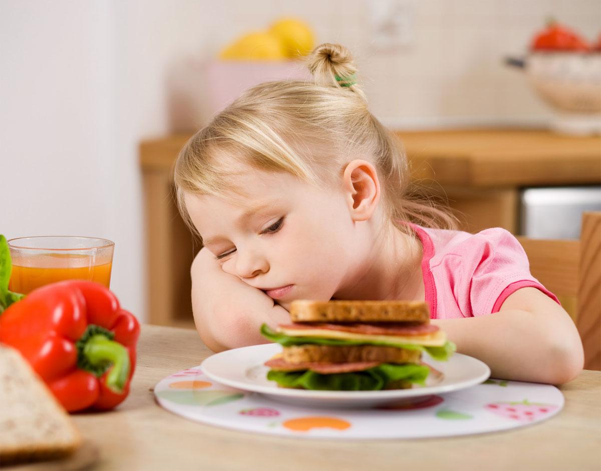 Brak apetytu u dzieci w żłobkach i przedszkolach. Fot: Fotolia.com